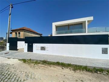 Semi-detached house T4 / Ovar, S. João de Ovar