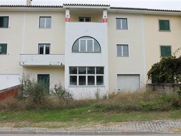 Semi-detached house T5 / Vila Velha de Rodão, Vila Velha de Rodão