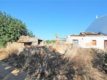Terreno com ruina / Olhão, Moncarapacho