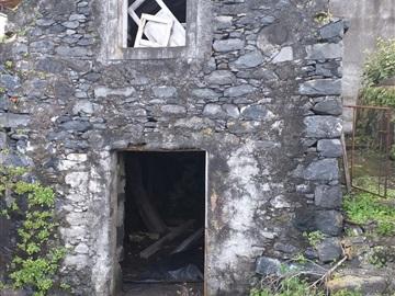 Terreno com ruina / São Vicente, São Vicente