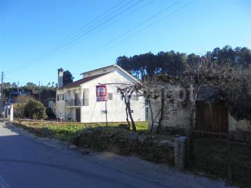 Terreno com ruina / Vila Real, Andrães