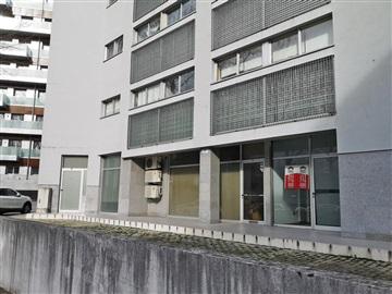 Tienda / Guimarães, Azurém