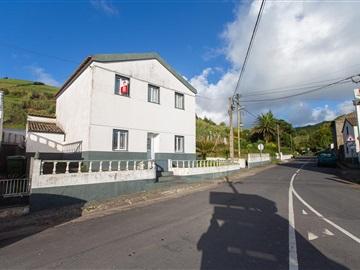 Vivienda T4 / Ponta Delgada, Ginetes